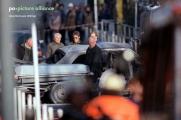 <h5>[4] Abtransport der Leiche</h5><p>Im Gegensatz zu Berichterstattungen anderer Mordfälle verwendeten die Medien das Foto mit dem Sarg Herrhausens sehr wenig.</p>